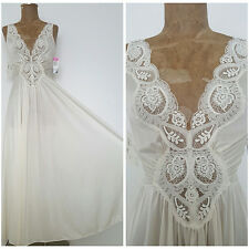 New Vintage Olga Gown Candle Lace Full Sweep Nightgown Lingerie 92280 Medium