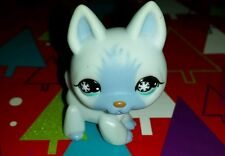 littlest pet shop German Shepherd with blue snowflake eyes #689