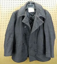 Enlisted Man's Wool Overcoat ( Pea Coat ) / Size 42 / Made in Usa / Used