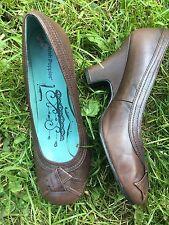 Hush Puppies De Cuero Estilo Vintage Tribunal Zapatos Tacones Bloque curvado. tamaño 6/UE 39