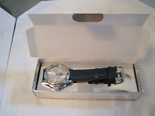 NIB New York Yankees Adult Metal Watch with Scratch Resistant Mineral Crystal !