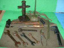 Original WW2 Vintage  Willys MB or Ford GPW JEEP JACK with Tool Kit