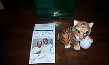 Tiger Woods Boehm Porcelain Tiger on th e18th Hole