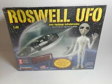 Roswell UFO with Alien Crew 1/48 Scale Model Kit Lindberg NEW
