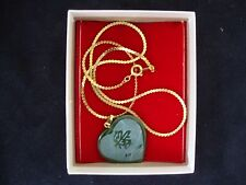 """VINTAGE TAIWAN JADE ETCHED HEART """"LOVE"""" PENDANT W/ 16"""" GOLD PLATED CLASP CHAIN"""