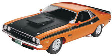 Revell '70 Dodge Challenger 2n1 1/24 plastic model car kit new 2596