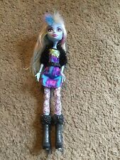 Nice Monster High Abbey Bominable Picture Day doll Nice!!