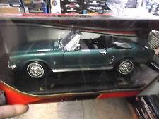 FORD Mustang Convertible grün green Verdeck 1/2 1964 Motormax Sonderpreis 1:18