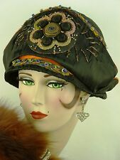 VINTAGE HAT ORIG 1920s CLOCHE BLACK SILK, EGYPTIAN REVIVAL w APPLIQUE & THREADS