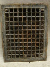 VINTAGE 1920S IRON HEATING GRATE SQUARE DESIGN 14 X 11 E