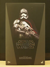Hot Toys -1/6th scale Star Wars TFA Captain Phasma (In Stock)
