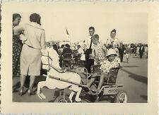PHOTO ANCIENNE - VINTAGE SNAPSHOT - ENFANT JOUET CHEVAL À PÉDALES DRÔLE - HORSE