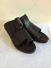 LD Tuttle Black Leather Open Toe Sandals Slides Shoes Size 39/US 9, New w/o Box