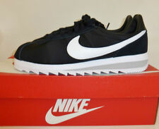 NIKE CLASSIC BLACK & WHITE CORTEZ EPIC TRAINERS SIZE 9.5 - boxed