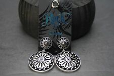 Wrangler Rock 47 Vintage Kitsch Flower Sunburst Earrings Antique Silver One Size