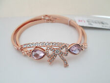 NWT Auth Betsey Johnson Rose Goldtone Bow Rhinestone Hinged Bangle Bracelet Set