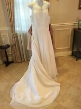 DAVIDS BRIDAL St.Tropez SIGNATURE WEDDING GOWN 5258 size 18 White Beaded straps