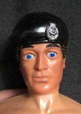 Action Man - 40th Negro Boina con insignia de soldado