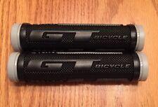 NOS Grey And Black GT Logo Grips. Freestyle, BMX, MTB, Mid School. Dyno.