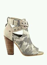 GUESS BAGENT CUTOUT STUDDED CAMO MILITARY ANKLE BOOTIES SIZE 10