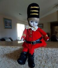 VINTAGE TOY SOLIDER SHELF SITTER Doll-Moves-Musical-Enesco-PLAYS 'TOYLAND'-C1