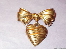 VINTAGE 70'S AVON GOLD TONE BOW HEART DROPLET BROOCH MUM MOTHER LOVE
