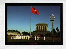 HO CHI MINH CITY (VIETNAM) PRESENTATION du DRAPEAU / MILITAIRES au MAUSOLEE