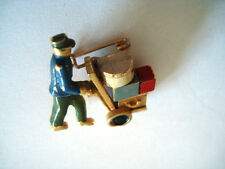 BROCHE ANCIENNE VINTAGE BAGAGISTE HOTEL DE LUXE BAGAGE LUXURIOUS HOTEL SUITCASE
