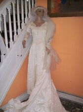 EUC Vintage White Beaded Wedding Dress Bridal Gown Lace 7 Ft Train Sz Sm-Medium