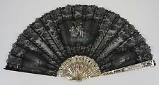 AB-144. FAN. CARVED NACRE STICKS WITH GOLD AND SILVER. SILK LACE. 19TH CENTURY