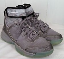 adidas Men's Dual Threat Basketball Shoes grey sneakers size 5.5