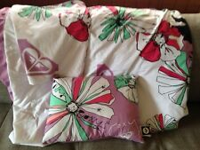 ROXY BRAND Twin Floral Duvet Cover with Matching Sham and Pillow!!
