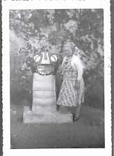 VINTAGE 1959 FROG GARBAGE CAN DUNCAN VICTORIA BRITISH COLUMBIA CANADA OLD PHOTO