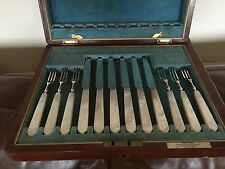 BEAUTIFUL SET OF 12 MOTHER OF PEARL & SOLID SILVER FRUIT KNIVES & FORKS 6 PERSON