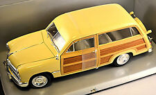 Ford Woody Wagon 1949 creme 1:18 Motor City Classics
