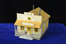 HO scale wooden general store building-with figurine-