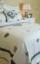 BEAUTIFUL SUPERKING SIZE GREY HEARTS ON IVORY PATCHWORK QUILT 100% COTTON