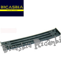 6842 - CINGHIA FERMA PORTA IN PLASTICA PIAGGIO APE MP 500 501 550 600 601