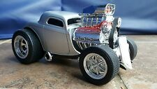 Muscle Machines '33 Ford Coupe Silver 1/18 Scale 2002 rare color diecast