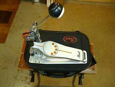PEARL P-930 DEMONATOR BASS DRUM PEDAL W/CASE