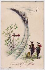 Frohe Pfingsten Maikäfer Paar wachtet auf Eisenbahn AK um 1927