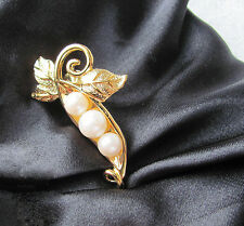 Vintage 3 Peas in a Pod Tic Pin Brooch Gold Tone Faux Pearls