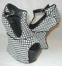 Jeffrey Campbell Women's Foxy Nite Black and White Platform Heels size 9