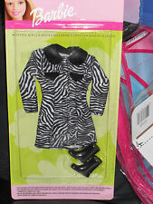 2000 BARBIE COAT COLLECTION FASHIONS BLACK & WHITE ZEBRA PRINT COAT & BOOTS!!