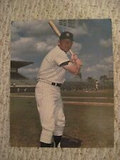 MICKEY MANTLE COLOR PHOTO AND BECKETT MAGAZINE