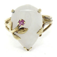 Vintage 14k Yellow Gold Pear White Jade & Round Ruby Accent Etched Flower Ring