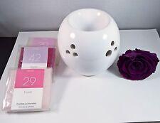 Brûle-parfums boule ajourée blanc en céramique pour pastille fondante bien-être