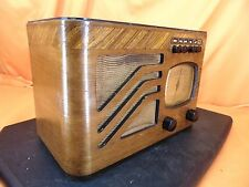 Vintage 1938 PHILCO 39-7 Pushbutton Wood Cabinet TUBE RADIO ~ ART DECO STYLING!