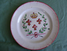 Piatto in ceramica di l'Est, XIX°, decorato con fiori di Giglio e corona royale