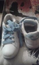 WOMENS HEELYS WHITE-BLUE SKATE SHOES W/ WHEELS size 6 med  EXCELLENT!!!